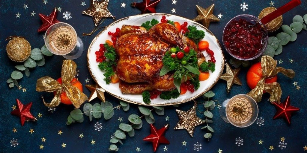 SIMPLE TIPS FOR EATING HEALTHIER DURING THE HOLIDAYS